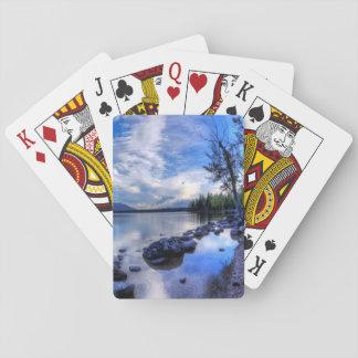 Jenny dans le matin jeux de cartes