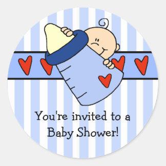 Jeter un coup d'oeil l'autocollant de baby shower sticker rond