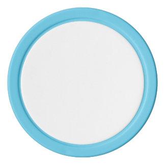 Jetons de poker avec le bord de solide de bleus