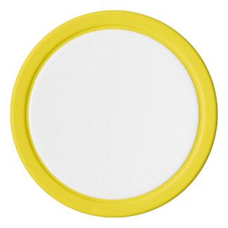 Jetons de poker avec le bord solide jaune