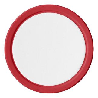 Jetons de poker avec le bord solide rouge