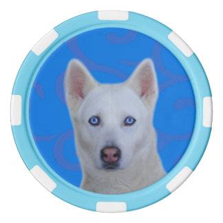 Jetons de poker blancs d'argile de chien de