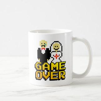 Jeu au-dessus du mariage (à 8 bits) tasse