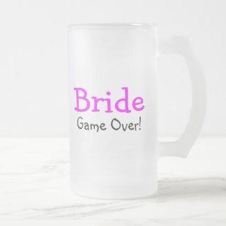Jeu de jeune mariée plus de mug en verre givré