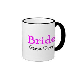 Jeu de jeune mariée plus de mug ringer