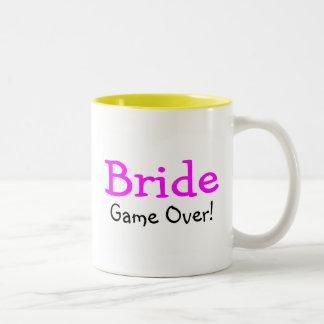 Jeu de jeune mariée plus de tasse à café