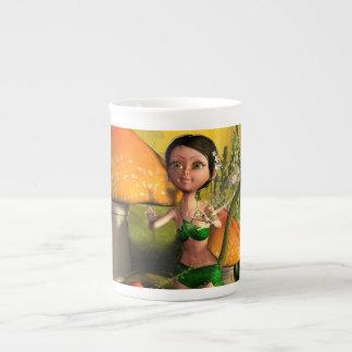 Jeu féerique mignon avec une luciole mug en porcelaine