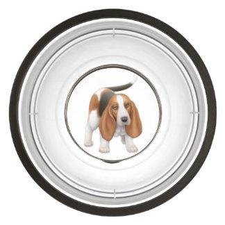 Jeune bol amical d'aliments pour chiens de Basset Écuelles Pour Animaux