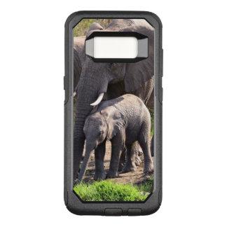 Jeune éléphant africain avec le bébé d'éléphant coque samsung galaxy s8 par OtterBox commuter
