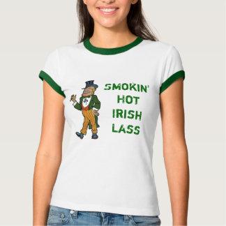 Jeune fille irlandaise chaude de Smokin T-shirts