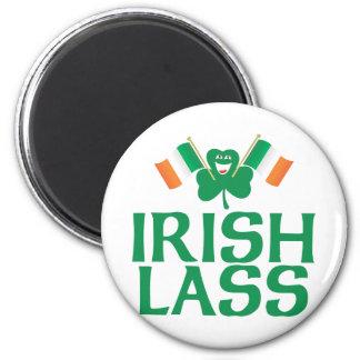 Jeune fille irlandaise aimants