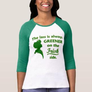 Jeune fille irlandaise verte t-shirts