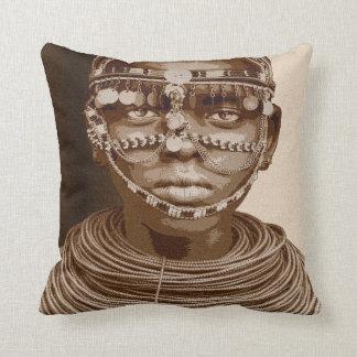 Jeune mariée africaine coussin décoratif