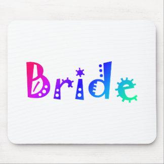 Jeune mariée couleur tapis de souris