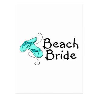 Jeune mariée de plage (mariage de plage) carte postale