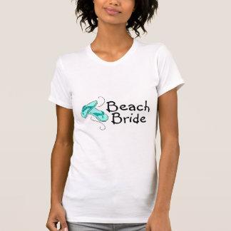 Jeune mariée de plage (mariage de plage) t-shirts