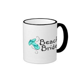 Jeune mariée de plage (mariage de plage) mug ringer