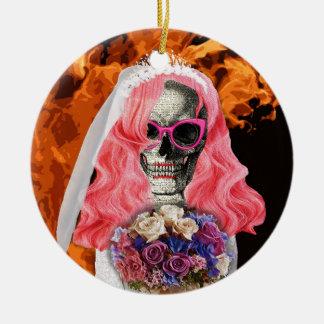 Jeune mariée d'enfer ornement rond en céramique
