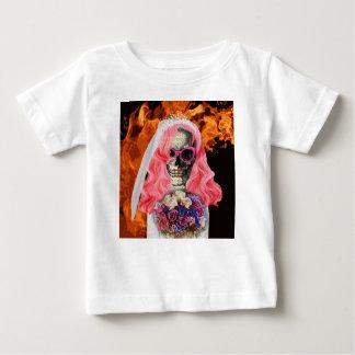 Jeune mariée d'enfer t-shirt pour bébé
