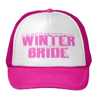 Jeune mariée d'hiver casquettes