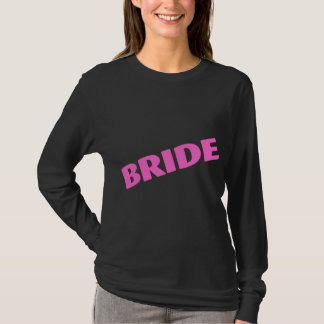 Jeune mariée épousant le rose t-shirt