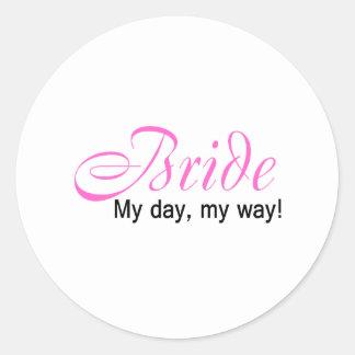 Jeune mariée (mon jour, ma manière !) adhésif rond