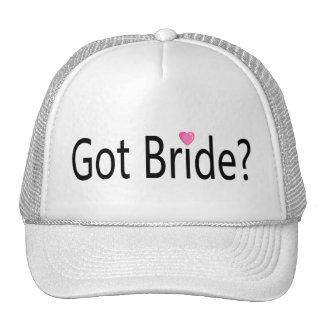 Jeune mariée obtenue casquettes
