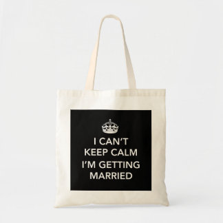 Jeune mariée ou marié nerveuse sac