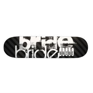 Jeune mariée ; Rayures noires et gris-foncé Skateboard