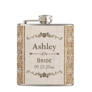Jeune mariée rustique de mariage de dentelle de flasques