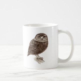 Jeune tasse de café de hibou