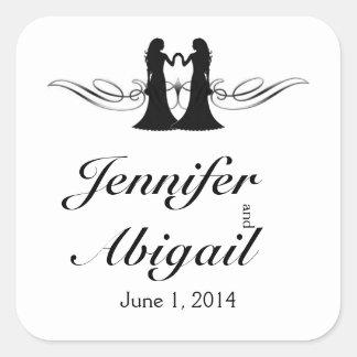 Jeunes mariées blanches noires d'élégance épousant sticker carré