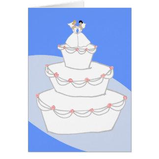 Jeunes mariées du gâteau de mariage deux cartes