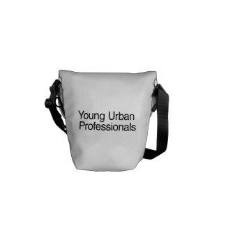 Jeunes professionnels urbains besaces