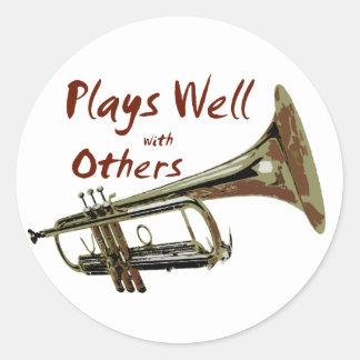 Jeux bien avec d autres trompette adhésif rond