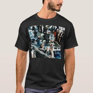 John F. Kennedy et Jackie dans le cortège de T-shirt