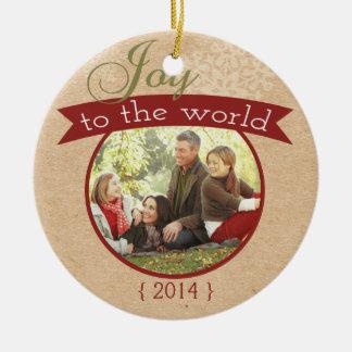 Joie à l'ornement de vacances de Noël du monde
