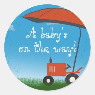 Joint d'enveloppe de baby shower de tracteur adhésif rond