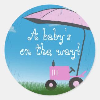 Joint d'enveloppe de baby shower de tracteur sticker rond