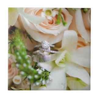 Joli-floral-C.C-mariage-anneau-tir-Rebekah-Hoyt-PH Petit Carreau Carré