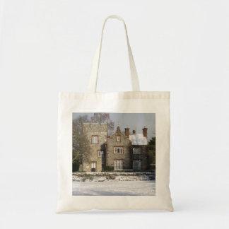 Jolie scène de neige avec de vieux bâtiments sac de toile