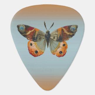 Jolies couleurs d'automne de papillon de monarque médiators