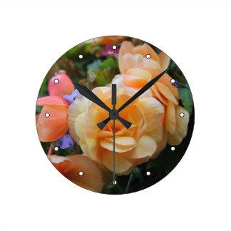 Jolies fleurs horloge ronde