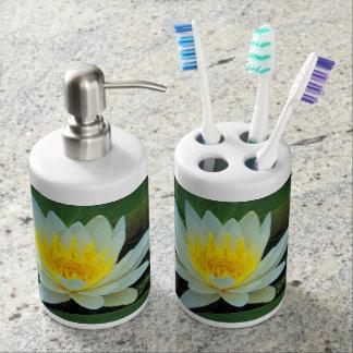 Jolies fleurs porte brosse à dents