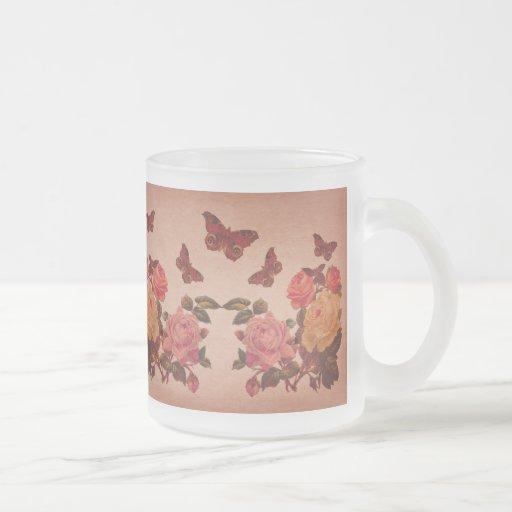 Jolis roses et collage roses vintages de papillons tasses à café