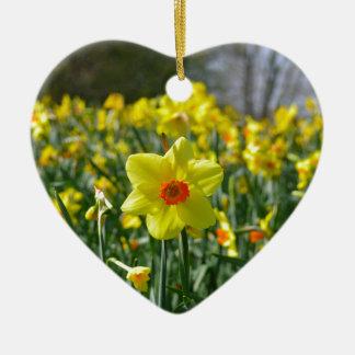 Jonquilles jaune-orange 01,0 ornement cœur en céramique