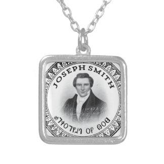 Joseph Smith le prophète de Dieu Pendentif Carré