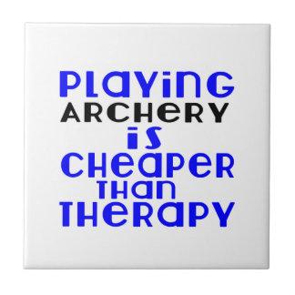 Jouant au tir à l'arc meilleur marché que la petit carreau carré