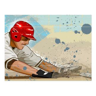 Joueur de baseball glissant dans la base carte postale