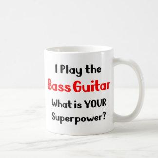 Joueur de guitare basse mug